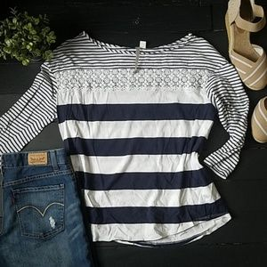 🌼 Lauren Conrad Blue and White Striped blouse